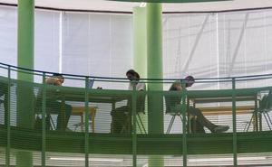 El Gobierno y la UC se unen para apoyar a jóvenes sin recursos que quieran acceder a la universidad