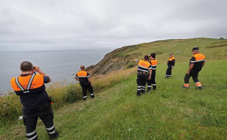 Operativo de búsqueda de un menor en los acantilados de Ruiloba