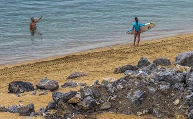 «No admitiremos quedarnos sin playa en La Magdalena», advierte Igual al Ministerio