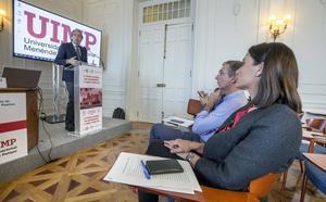 De la Serna defiende el pacto entre PP y Cs y augura un gobierno «unido y cohesionado» en Santander