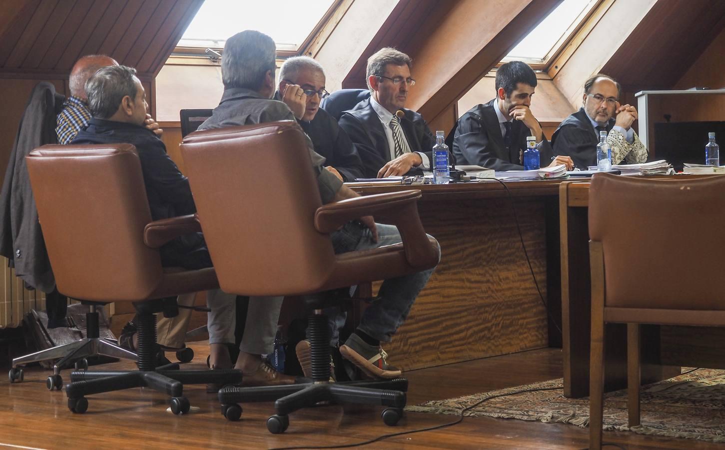 Los compañeros de los acusados del Puerto ratifican su versión sobre el cobro de la chatarra en vales y no en efectivo