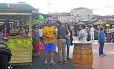 Hosteleros y clientes de Castro Urdiales se muestran satisfechos con el regreso de las casetas