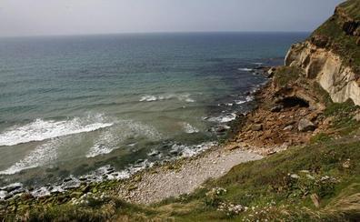 Identificados los restos de un joven hallados hace 25 años en la playa de la Tablía, en Suances
