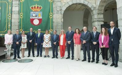 Paula Fernández, Francisco Martín, José Luis Gochicoa, Guillermo Blanco y Marina Lombó, consejeros del PRC en el nuevo Gobierno