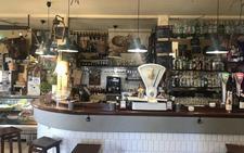 Picoteo informal en un marco con sabor añejo en Casa Sampedro
