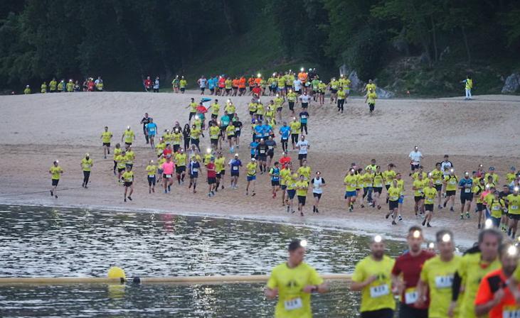 Cerca de 4.000 participantes en el trail nocturno de Buscando Sonrisas