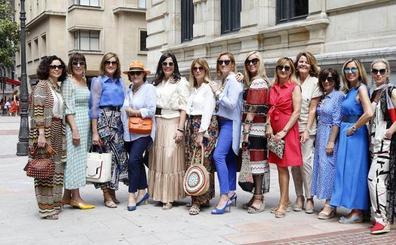 La amistad virtual de 15 mujeres con estilo