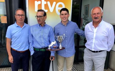 Sergio Ruiz se vuelve a llevar el Trofeo Chisco por su «garra y compromiso»