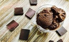 Cocina un helado de chocolate casero