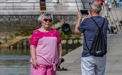 Cantabria sigue sumando turistas pese al descenso de los extranjeros