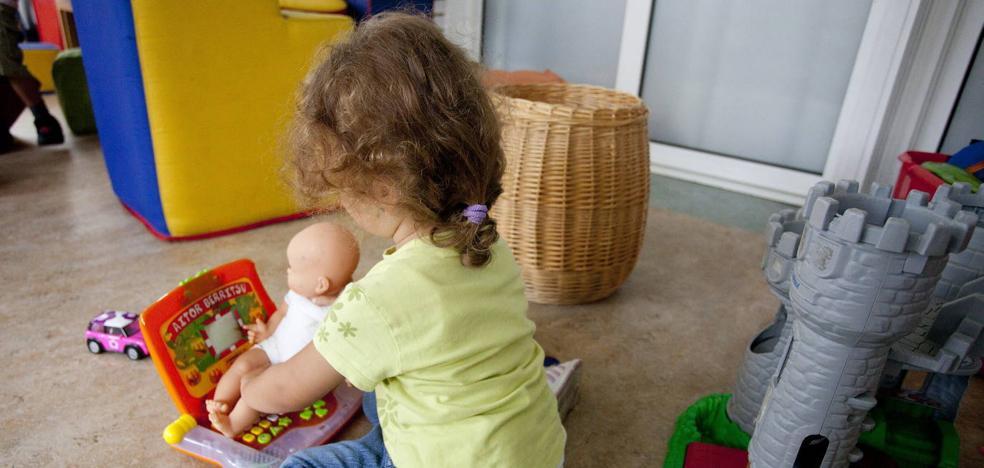 España espera su plan integral contra el maltrato infantil