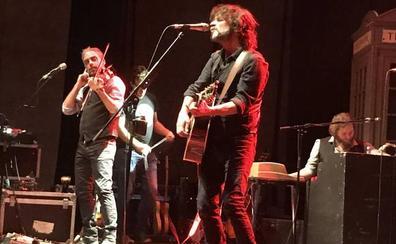 Carlos Tarque, Quique González, Sidecars y Senártica abren hoy el festival Música en Grande de Torrelavega