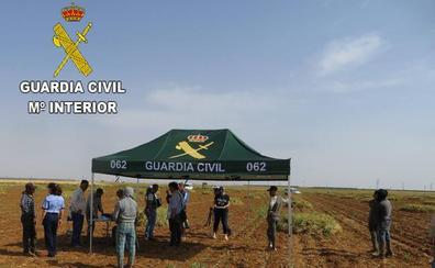 La Guardia Civil libera a ocho temporeros rumanos que vivían en semiesclavitud