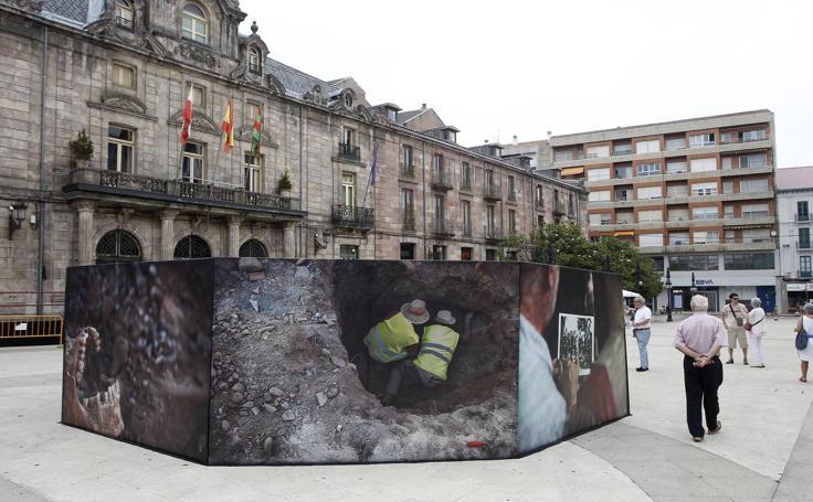 'Removiendo', título de otro espectacular montaje por las calles de Torrelavega