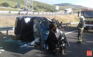Heridas dos mujeres tras salirse de la vía y volcar su vehículo en la Autovía de la Meseta a la altura de Matamorosa