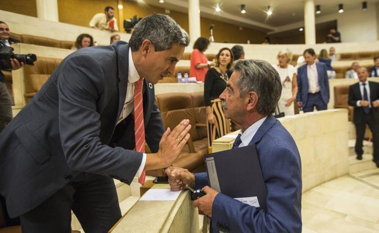Pleno para elegir el senador autonómico de Cantabria. Los consejeros se estrenan en su bancada