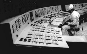 La Unión Europea entrega el nuevo sarcófago de Chernóbil a Ucrania para su explotación