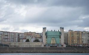 La terraza superior del Palacio de Festivales se abre al público con un negocio de hostelería