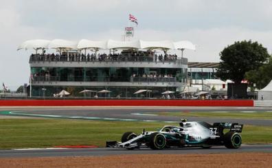 Mercedes saca el mazo con puntualidad británica