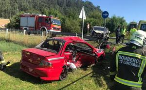Colisión frontal de un vehículo y una furgoneta en la N-611 a la altura de Barros