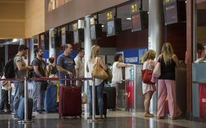 El aeropuerto, más cerca del récord al aumentar un 9% los viajeros hasta junio