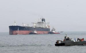 Liberan a los cuatro tripulantes del petrolero iraní detenidos en Gibraltar