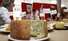 La 'joya' de Javier Campo elaborada con leche cruda en Tresviso, el mejor queso de Cantabria de 2019