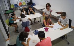 El Aula Abierta regresa para apoyar a niños que necesitan un refuerzo escolar