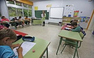 Lombó apuesta por «desdramatizar» la polémica del calendario escolar y potenciar otras «acciones positivas»