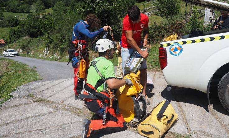 Rescatadas las tres espeleólogas perdidas en Cueto-Coventosa