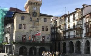 El Ayuntamiento de Castro requiere a la adjudicataria del servicio de limpieza que cumpla el contrato