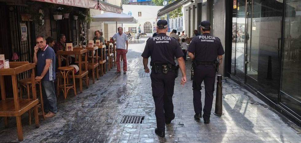 Los sindicatos denuncian el «desmembramiento» de la Policía Local por las vacantes en la plantilla