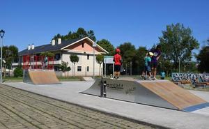 Abierto al público el nuevo skatepark de Renedo