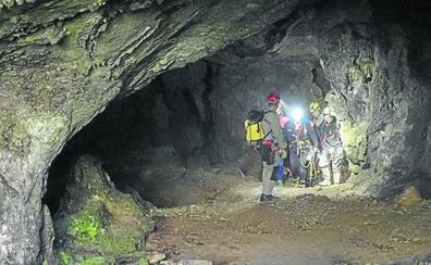 El Gobierno de Cantabria destina cerca de 33.000 euros al año al servicio de espeleosocorro
