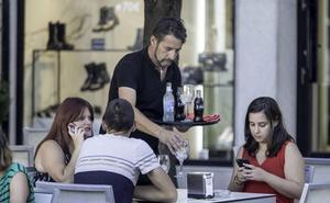 Piélagos dará formación a desempleados en hostelería, dependencia y comercio