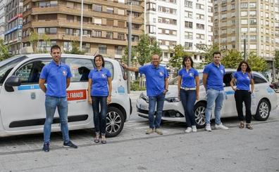 Los taxistas estrenan uniforme