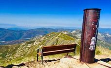 Un banco a más de dos mil metros en El Bierzo contra el olvido