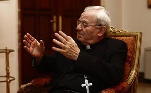 El Vaticano se desmarca de las críticas del nuncio a la exhumación de Franco