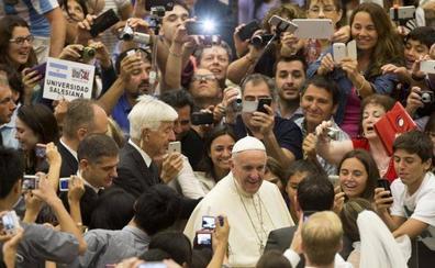 El Vaticano cambia de nuevo al portavoz y elige al italiano Matteo Bruni