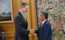 El rey recibe a Revilla en la Zarzuela: «Otra vez aquí»