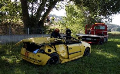 Cuatro jóvenes muertos y dos graves en un accidente de tráfico en Salamanca