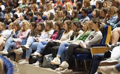 Educación promete a los sindicatos más profesores para el próximo curso