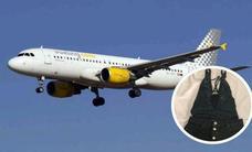 Vueling impide a una mujer volar en uno de sus aviones por la ropa que llevaba puesta