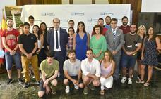 Santander contrata a los primeros 26 desempleados menores de 30 años