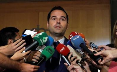 Cs rechaza el texto planteado por Vox en Madrid por no parecerse al de Murcia