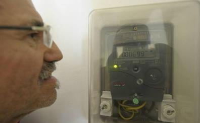 La CNMC pide que el coste fijo de luz pese menos para que el recibo baje un 3%
