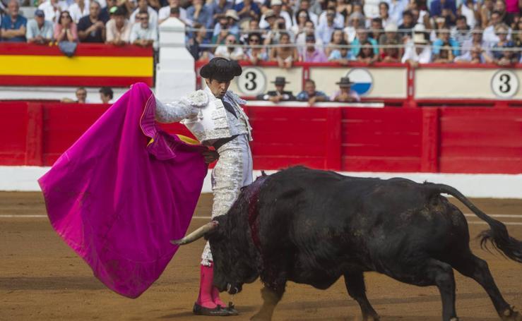 Perera sale en hombros en Santander