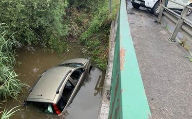 Fallece un joven de 25 años de Hornedo tras caer su coche a la ría de Tijero, en Heras