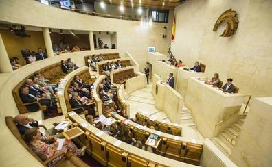 La Pasiega y los trenes a Bilbao y a Madrid, entre los principales retos del Parlamento