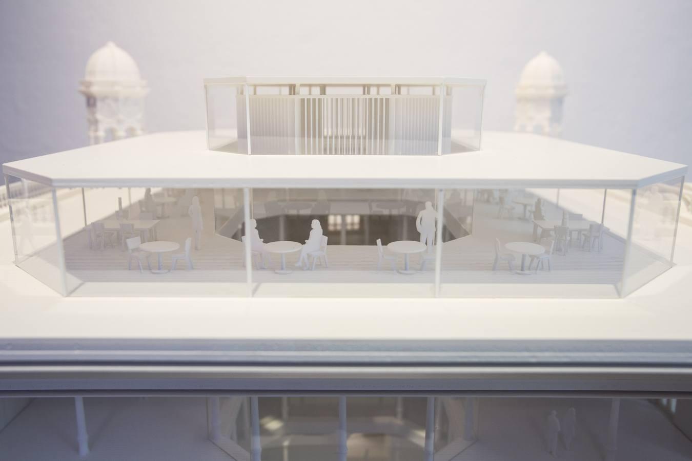 Hernan Cortés: Moderna oficina y acceso a la azotea